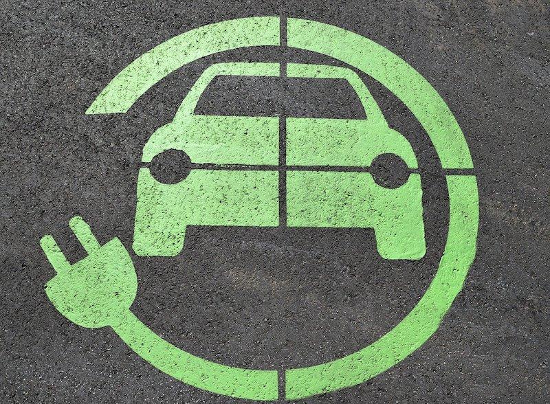 image véhicule électrique charge