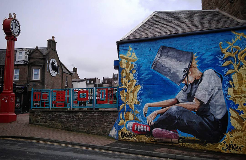 The Oor Wullie mural in Dundee's Hilltown